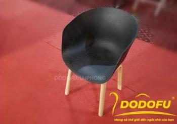 Ghế Eames màu đen