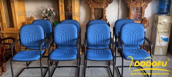 ghế chân quỳ phổ biến
